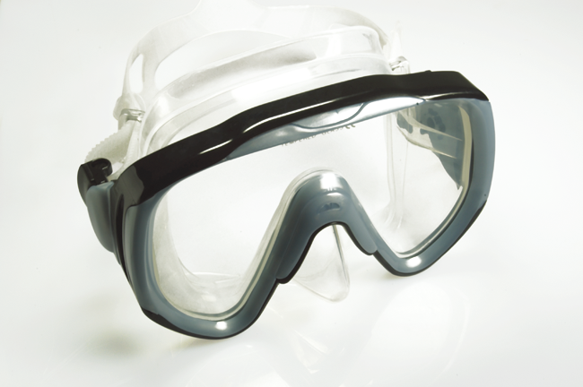 Highly durable diving mask-M14